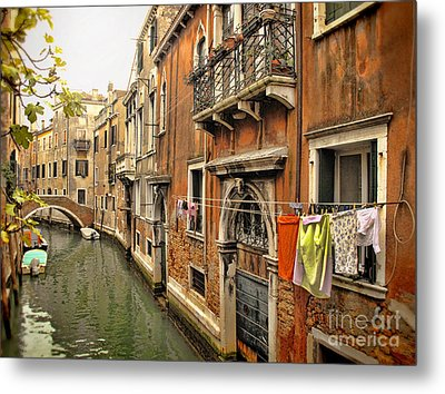 Orange Towel Venice Canal Metal Print