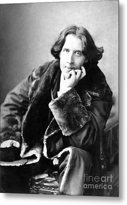 Oscar Wilde In His Favourite Coat 1882 Metal Print by Napoleon Sarony