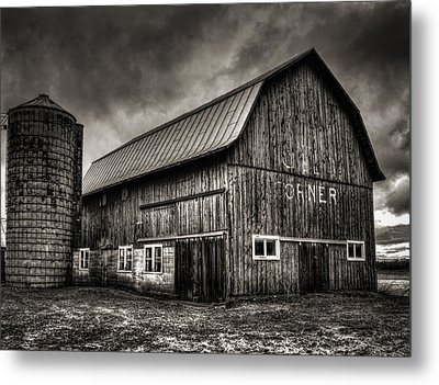 Oslo Corner In Black And White Metal Print by Thomas Young