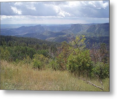 Metal Print featuring the photograph Overlook Into The Mist by Fortunate Findings Shirley Dickerson
