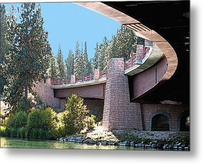 Healy Bridge Over Deschutes River Metal Print by Gwyn Newcombe