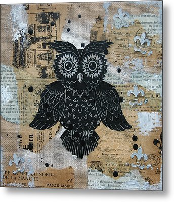 Owl On Burlap2 Metal Print