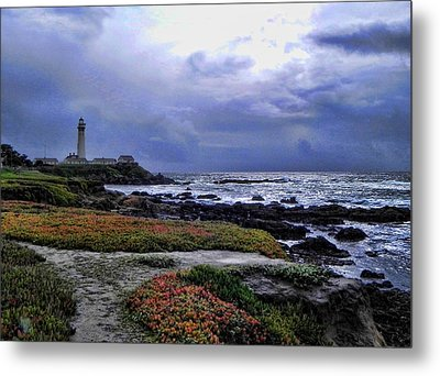 Metal Print featuring the photograph Pacific Lighthouse by Kathy Churchman