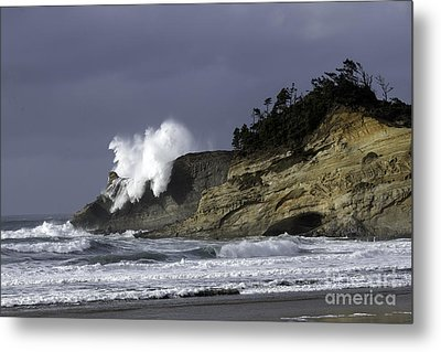 Pacific Power On The Cape Metal Print by Tim Moore