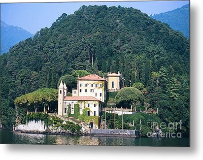 Palace At Lake Como Italy Metal Print by Greta Corens