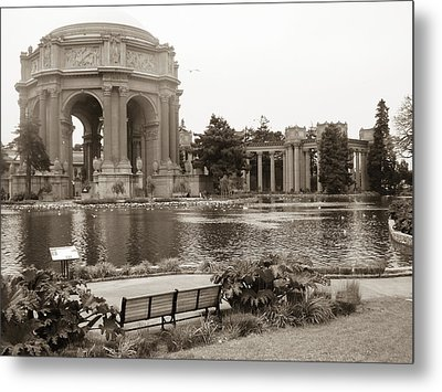 Metal Print featuring the photograph Palace Of Fine Arts by Hiroko Sakai