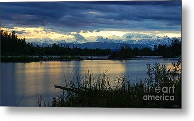 Pano Denali Midnight Sunset Metal Print by Jennifer White