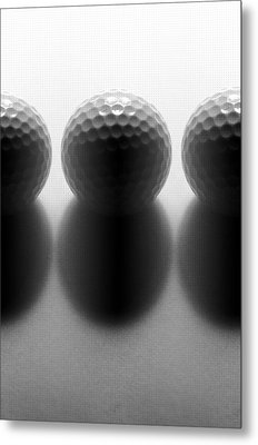 Par 3...golf Metal Print by Tom Druin