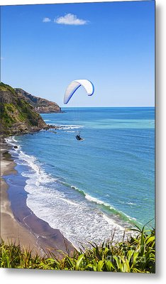 Paragliding At Maori Bay Auckland Metal Print by Colin and Linda McKie