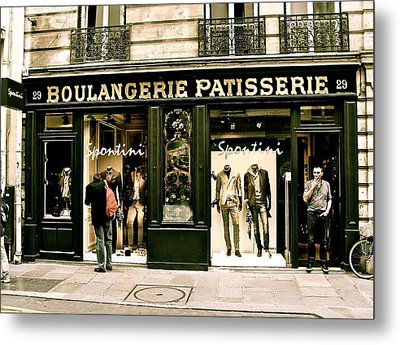 Metal Print featuring the photograph Paris Waiting by Ira Shander