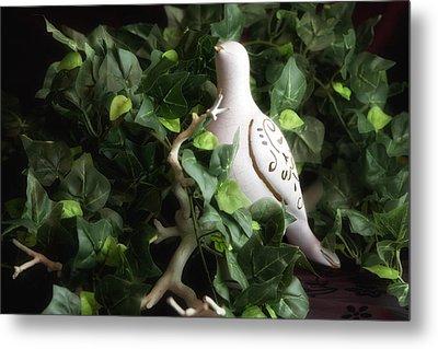 Partridge In The Ivy Metal Print by Tom Mc Nemar