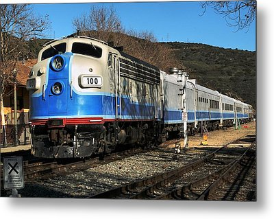 Metal Print featuring the photograph Passenger Train by Michael Gordon