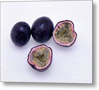 Passion Fruit Metal Print by G. Buttner/Okapia