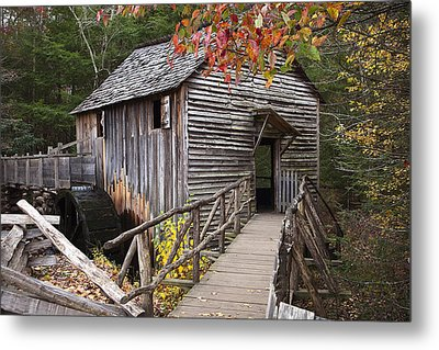 Path To The Mill Metal Print by Andrew Soundarajan