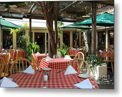Patio Dining At The Swiss Hotel In Downtown Sonoma California 5d24439 Metal Print by Wingsdomain Art and Photography