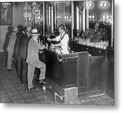 Patrons At A Speakeasy In Sf Metal Print by Underwood Archives