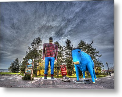 Metal Print featuring the photograph Paul Bunyan And Babe The Blue Ox In Bemidji by Shawn Everhart