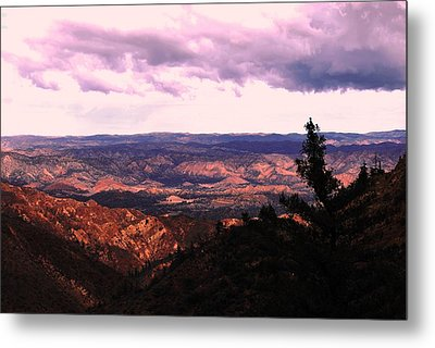 Peaceful Valley Metal Print by Matt Harang