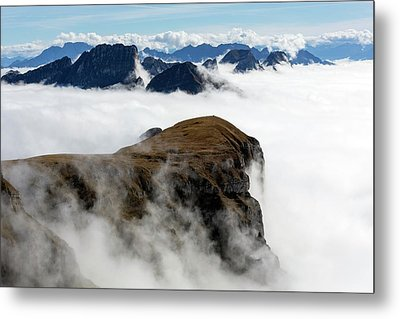 Peaks Surrounded By Sea Of Fog Metal Print