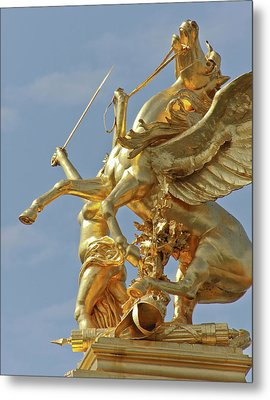 Pegasus Statue At The Pont Alexander Metal Print by William Sutton