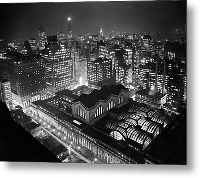 Pennsylvania Station At Night Metal Print by Underwood Archives