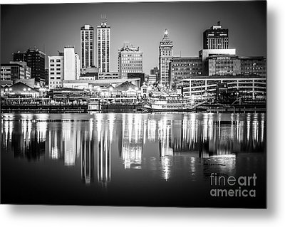 Peoria Illinois Skyline At Night In Black And White Metal Print
