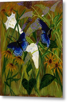 Perusing The Flowers Metal Print by Susan Schmitz