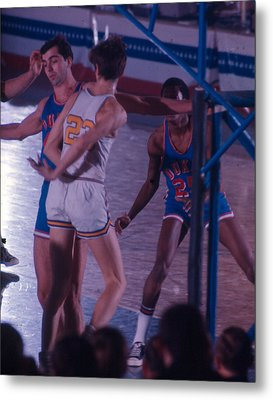 Pete Maravich Behind The Back Pass Metal Print