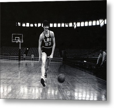 Pete Maravich Dribbling Between Legs Metal Print by Retro Images Archive