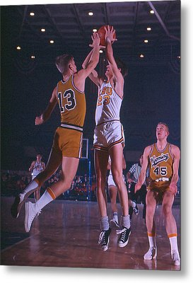 Pete Maravich Shooting Over Player Metal Print