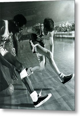 Pete Maravich Tricky Pass Metal Print by Retro Images Archive