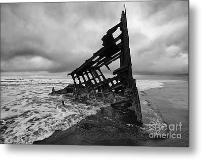 Peter Iredale Shipwreck Oregon 1 Metal Print