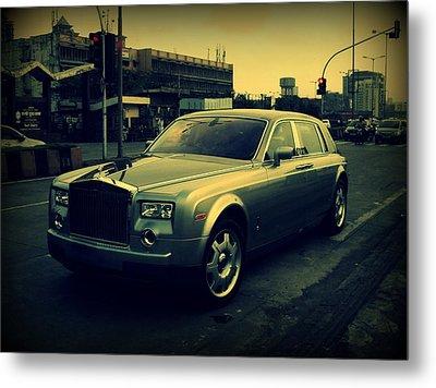Metal Print featuring the photograph Rolls Royce Phantom by Salman Ravish