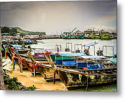 Metal Print featuring the photograph Phi Phi Island by Rob Tullis