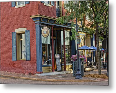 Picasso's N Main St Charles Mo Dsc00900  Metal Print by Greg Kluempers