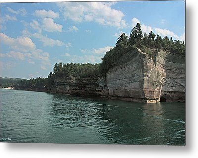 Pictured Rocks Battleship Formation Metal Print by Bill Woodstock