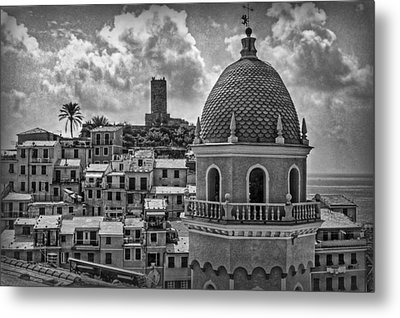 Picturesque Cinque Terre B/w Metal Print by Hanny Heim