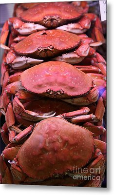 Pile Of Fresh San Francisco Dungeness Crabs - 5d20693 Metal Print by Wingsdomain Art and Photography