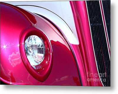 Metal Print featuring the photograph Pink Passion by Linda Bianic
