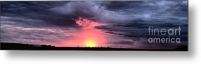 Pink Skies In Stanhope Metal Print by Garren Zanker