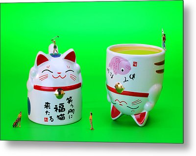 Playing Golf On Cat Cups Metal Print by Paul Ge
