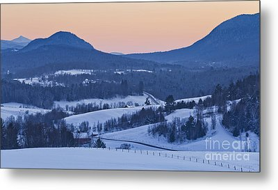 Pleasant Valley Winter Twilight Metal Print by Alan L Graham