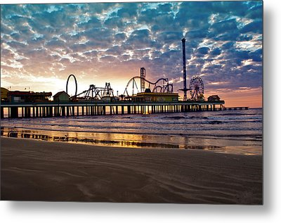 Pleasure Pier Galveston At Dawn Metal Print by John Collins