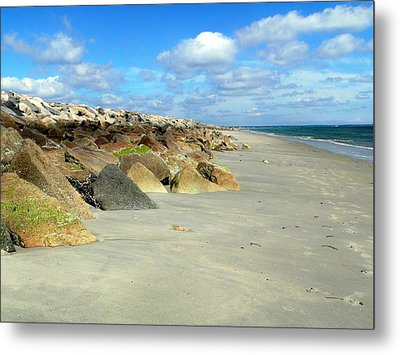 Metal Print featuring the photograph Plymouth Beach In Massachusetts by Janice Drew
