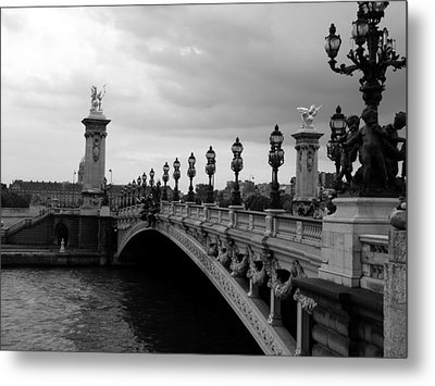Metal Print featuring the photograph Pont Alexander by Lisa Parrish