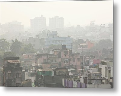 Poor Air Quality And Pollution Metal Print by Ashley Cooper