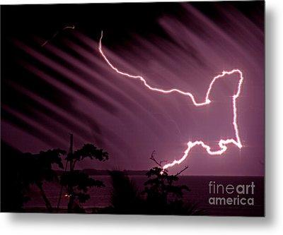 Popa Island Lightning Metal Print by Bob Hislop