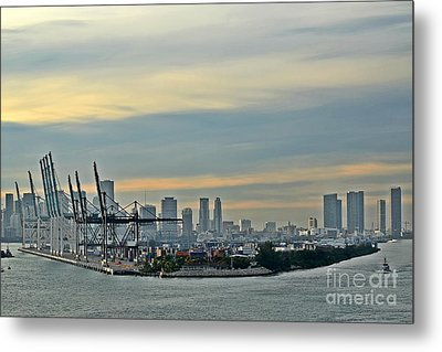 Port Of Miami Metal Print by Gary Smith