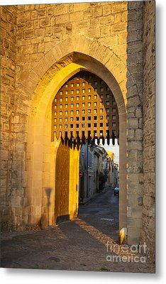 Portcullis Aigues-mortes  Languedoc-roussillon France Metal Print by Colin and Linda McKie