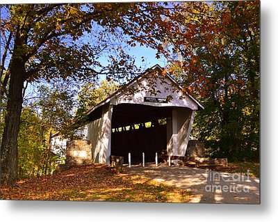 Potter's Bridge In Fall Metal Print